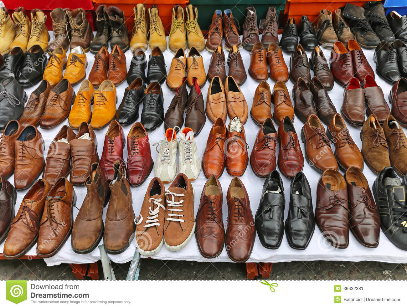 Shoes Market Stock Image - Image: 36632381