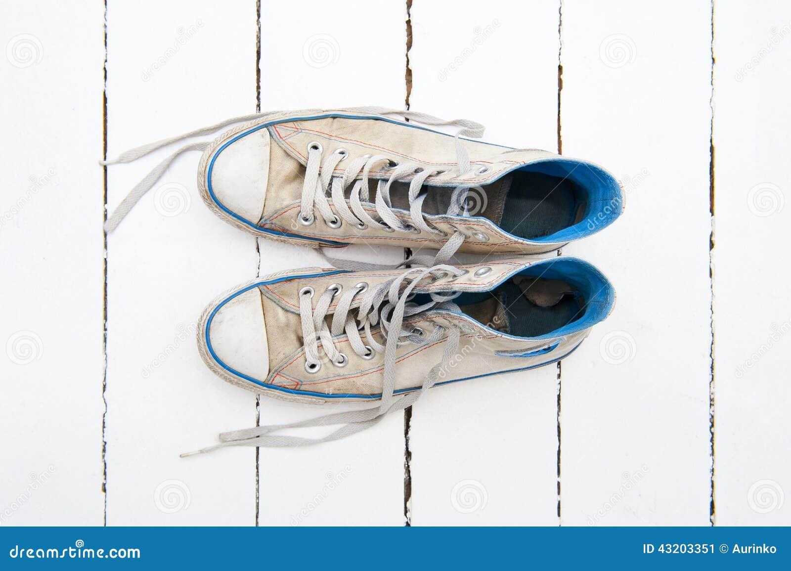 Download Shoes sporten fotografering för bildbyråer. Bild av utrustning - 43203351