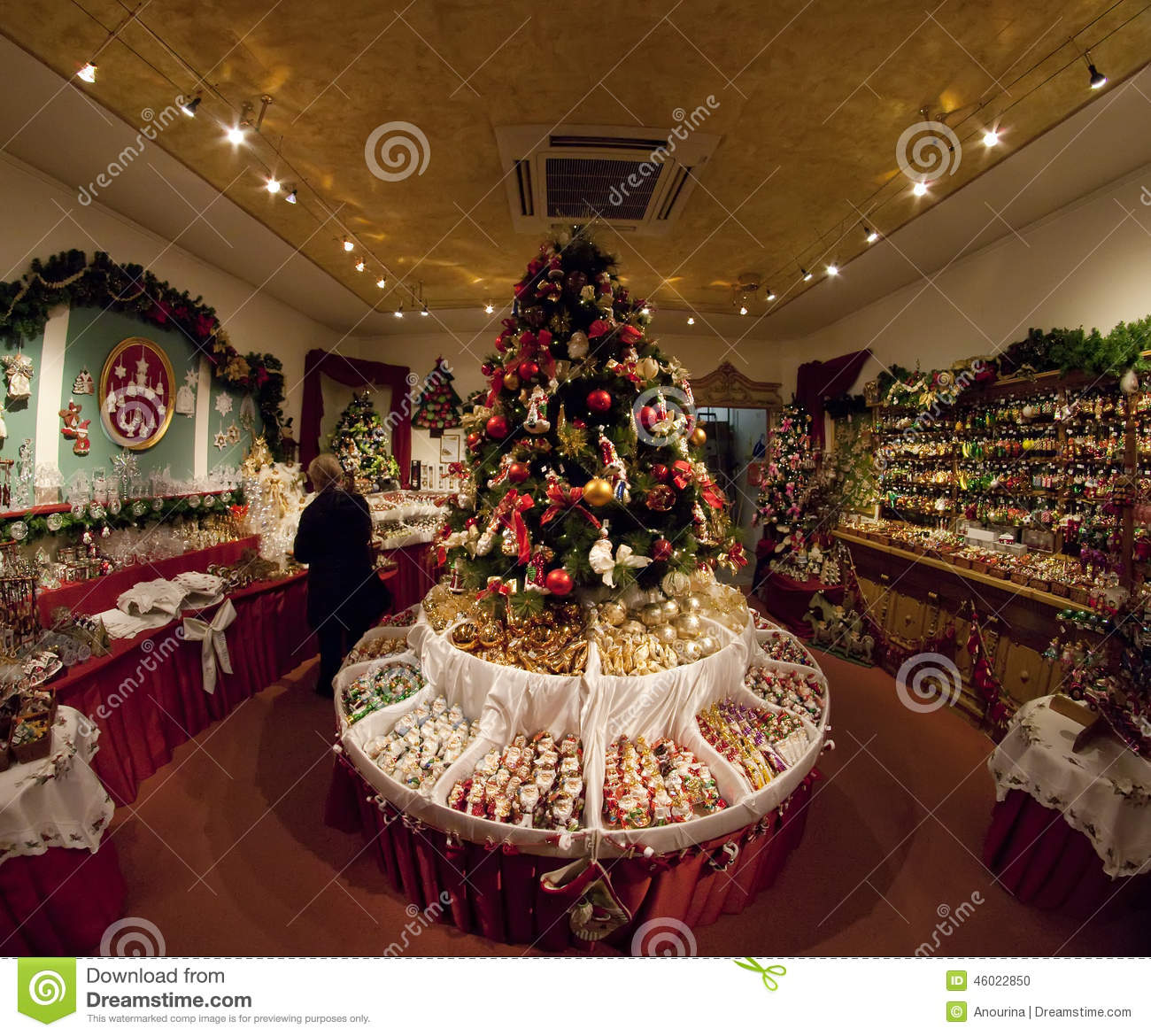 Christmas Decoration Stores: Shop With Christmas Decorations Editorial Image