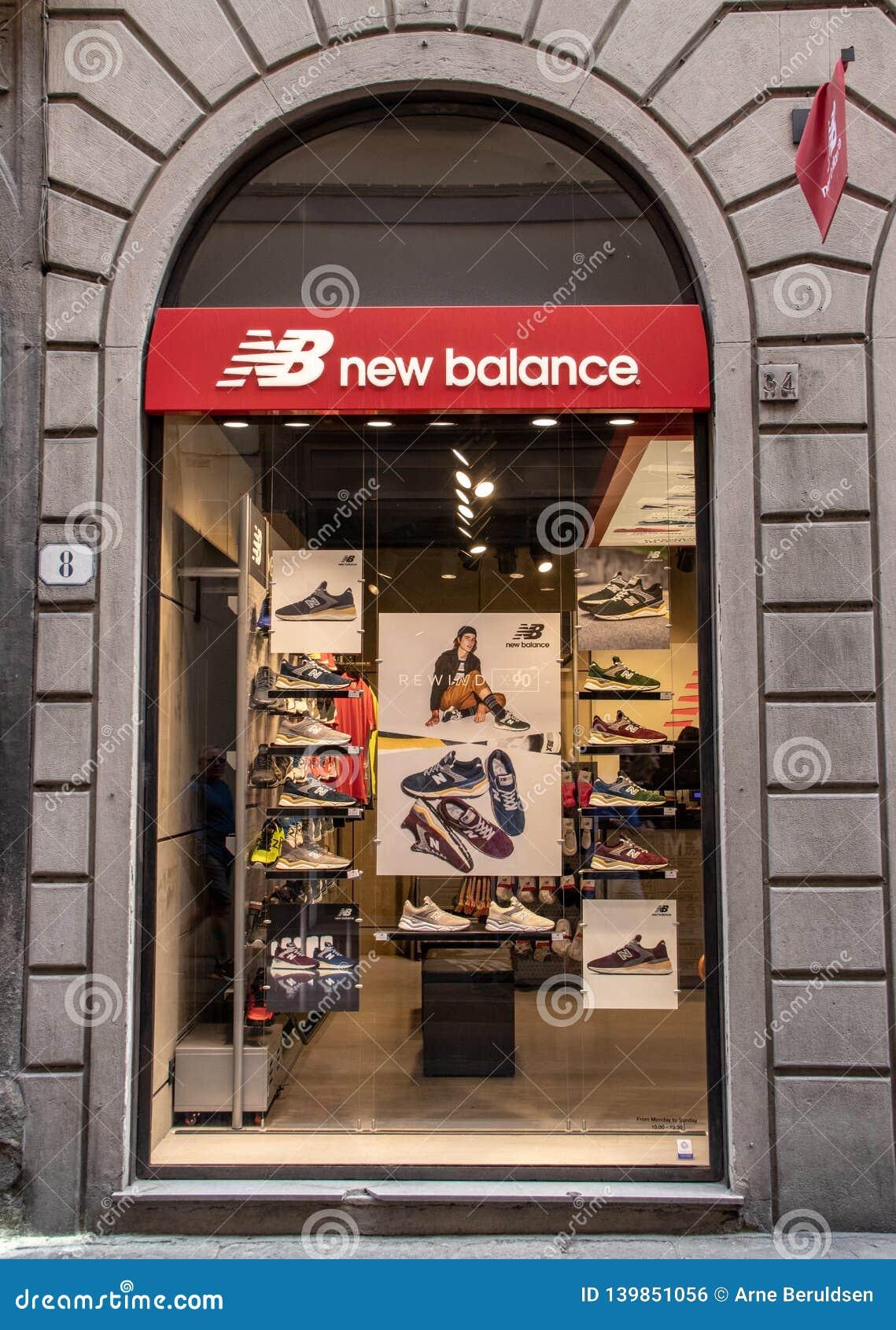 new balance italy