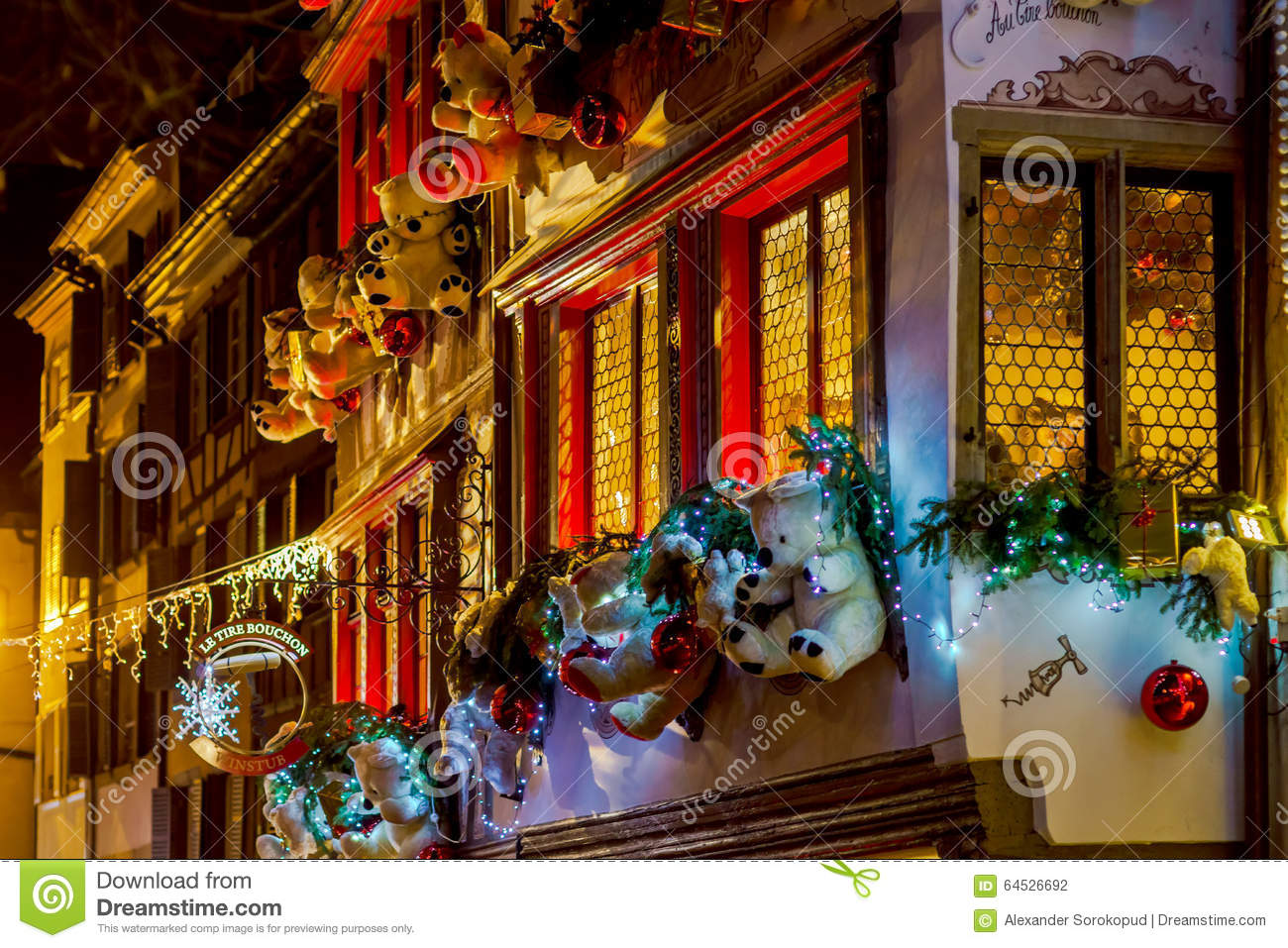 Shop window and street decoration of strasbourg before for Christmas decoration online shop