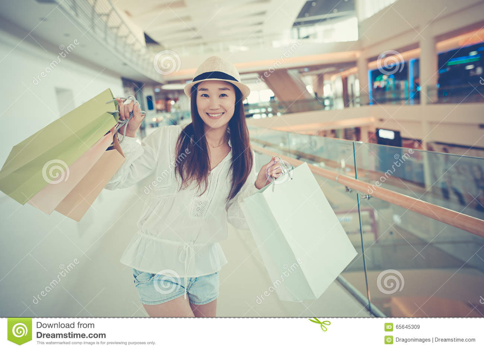 Shopaholic heureux
