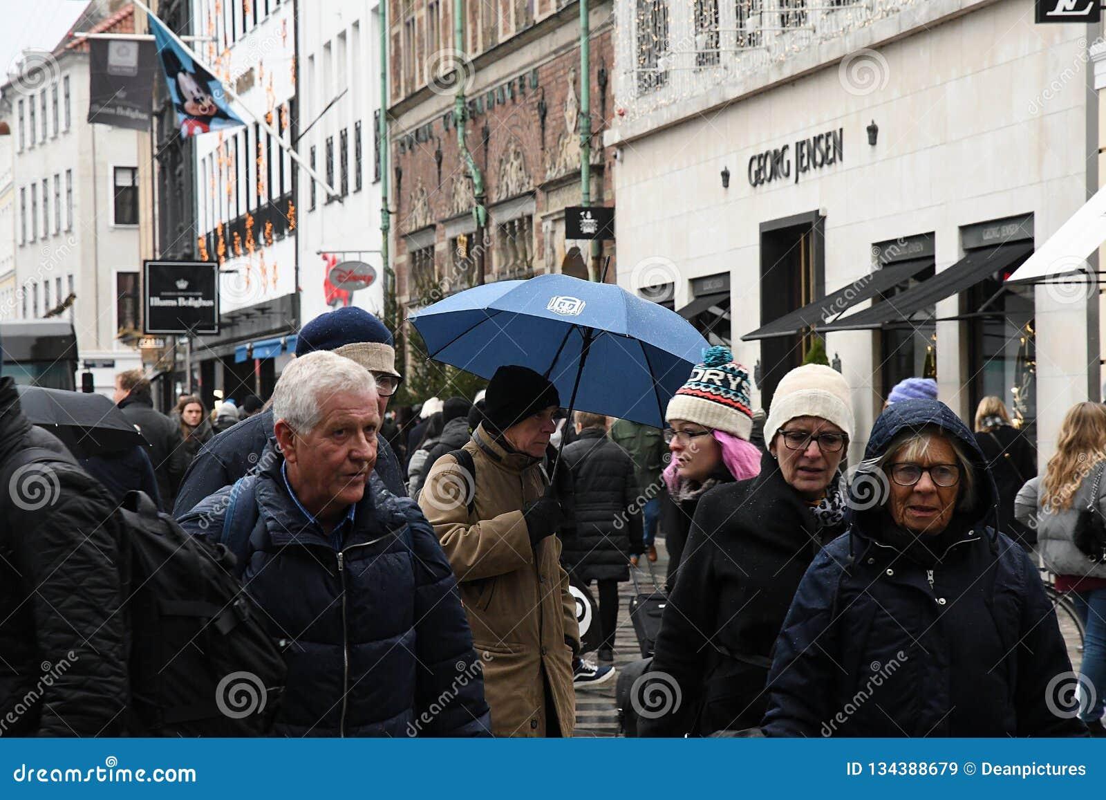 Shoper Unders Umbrellas Rainy Weather Editorial Stock Image Image