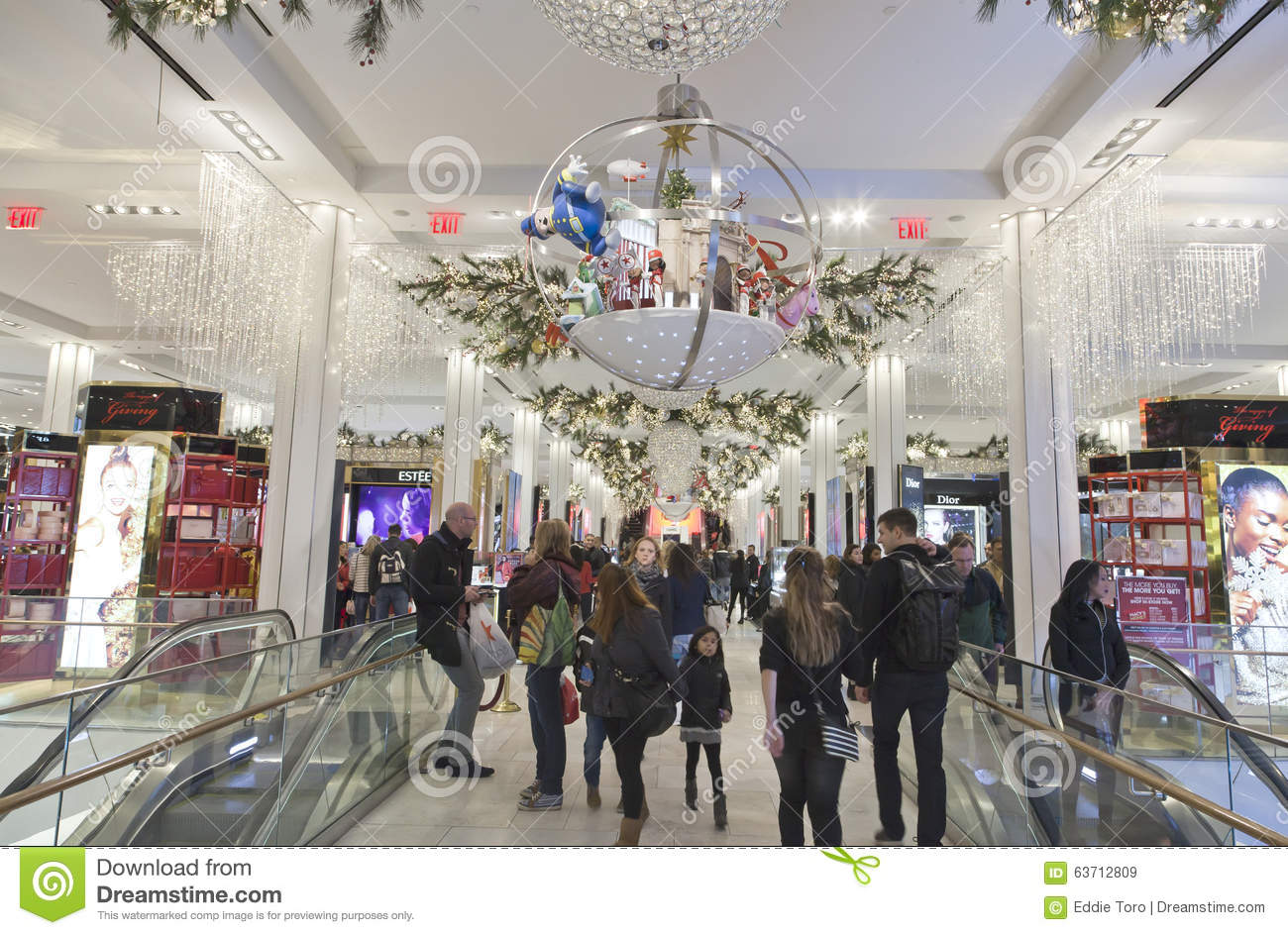 Shoppers Inside Macy\'s At Christmas Time In NYC Editorial Stock ...