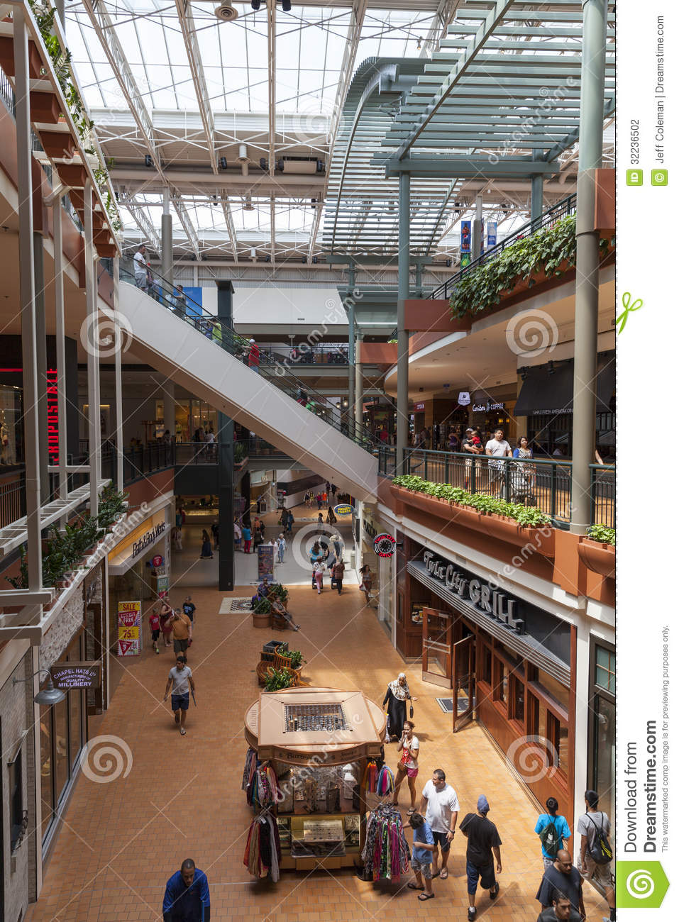 Shoppers At Mall Of America In Bloomington c29844b5c4a