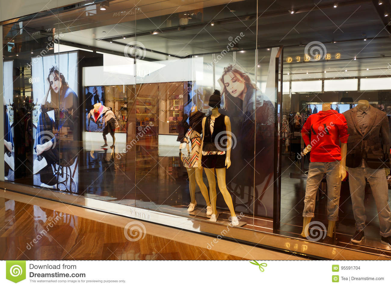 68a55c56f77e The Shoppes At Marina Bay Sands Editorial Stock Image - Image of ...