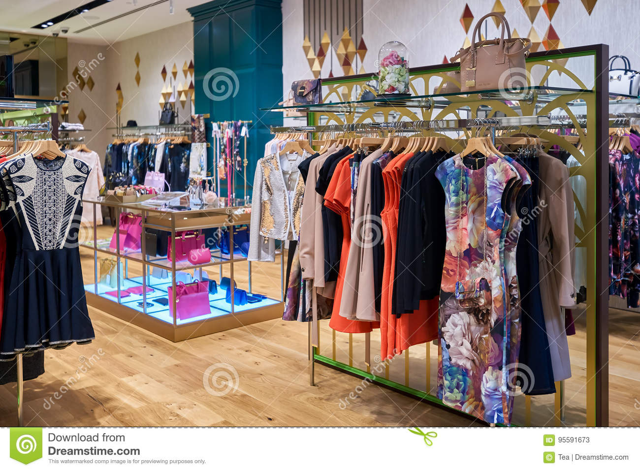 209bfc8cdd7bf4 The Shoppes At Marina Bay Sands Editorial Stock Photo - Image of ...