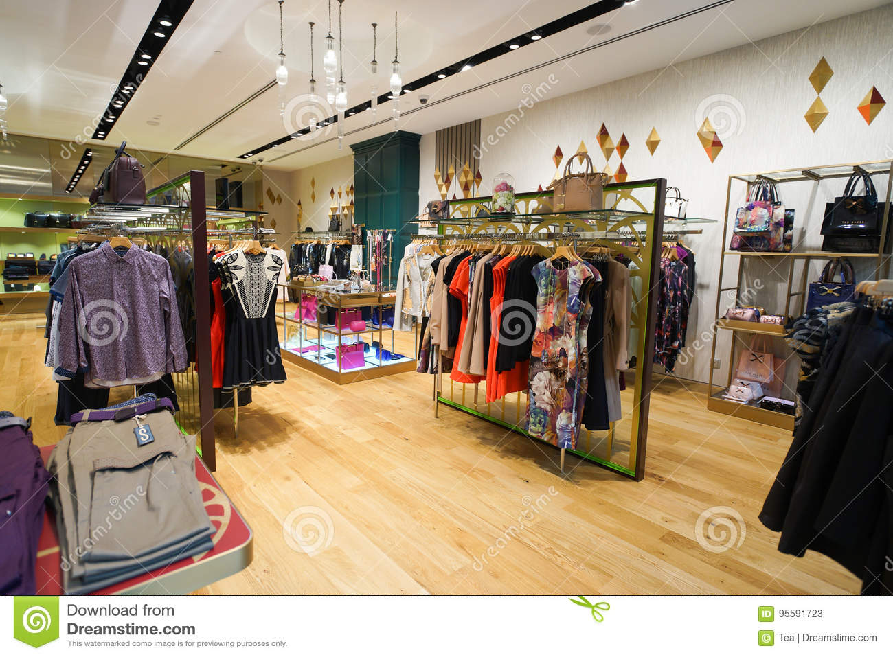 c2253a68f58f9e The Shoppes At Marina Bay Sands Editorial Stock Photo - Image of ...