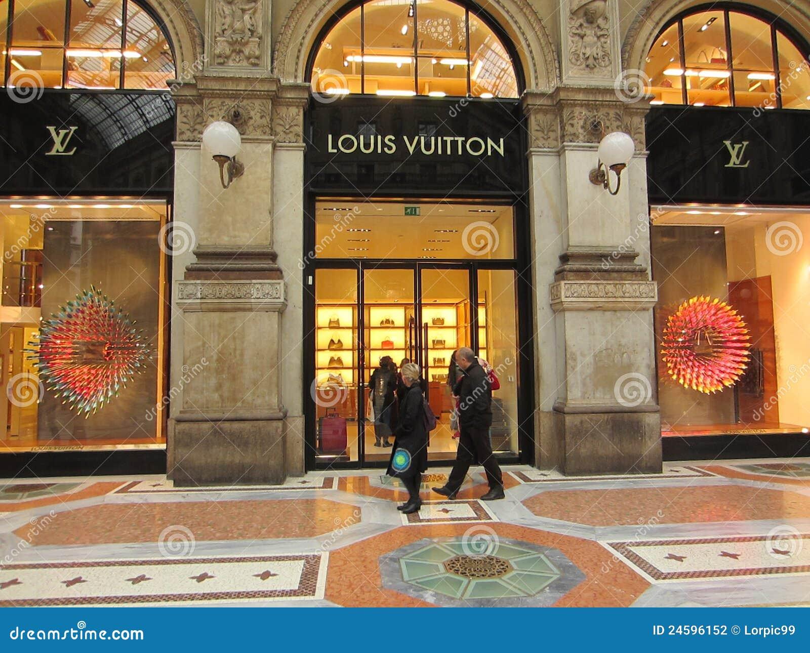 Shopping center milano editorial photography image for Milano shop