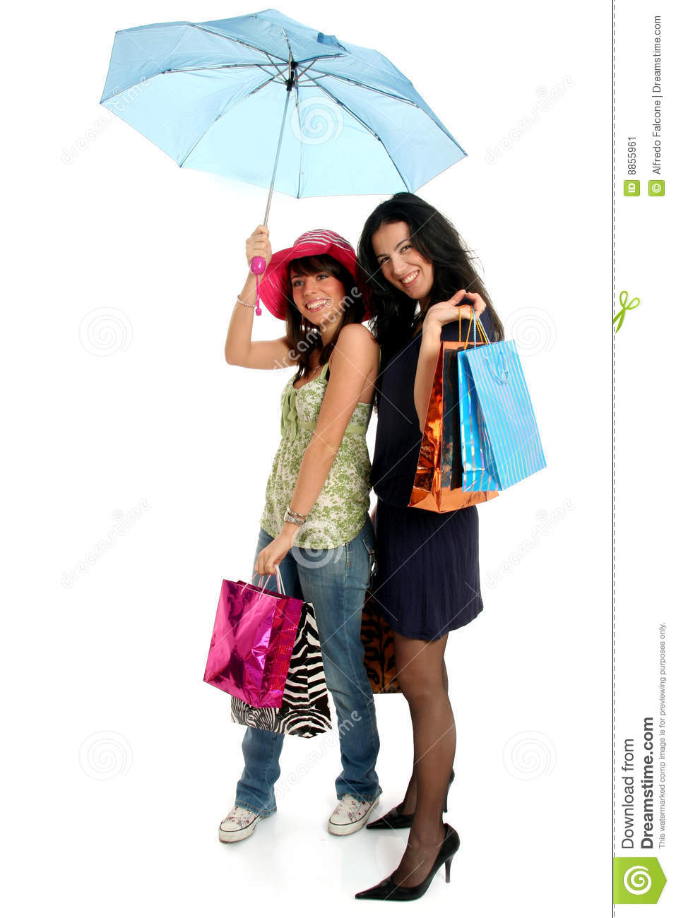 going shopping with friends Here are our favourite reasons why you should shop online:  refunds are your  friend why not buy four  shopping online means you know you need to buy  carrots, so you go online and add carrots to the basket it's also.