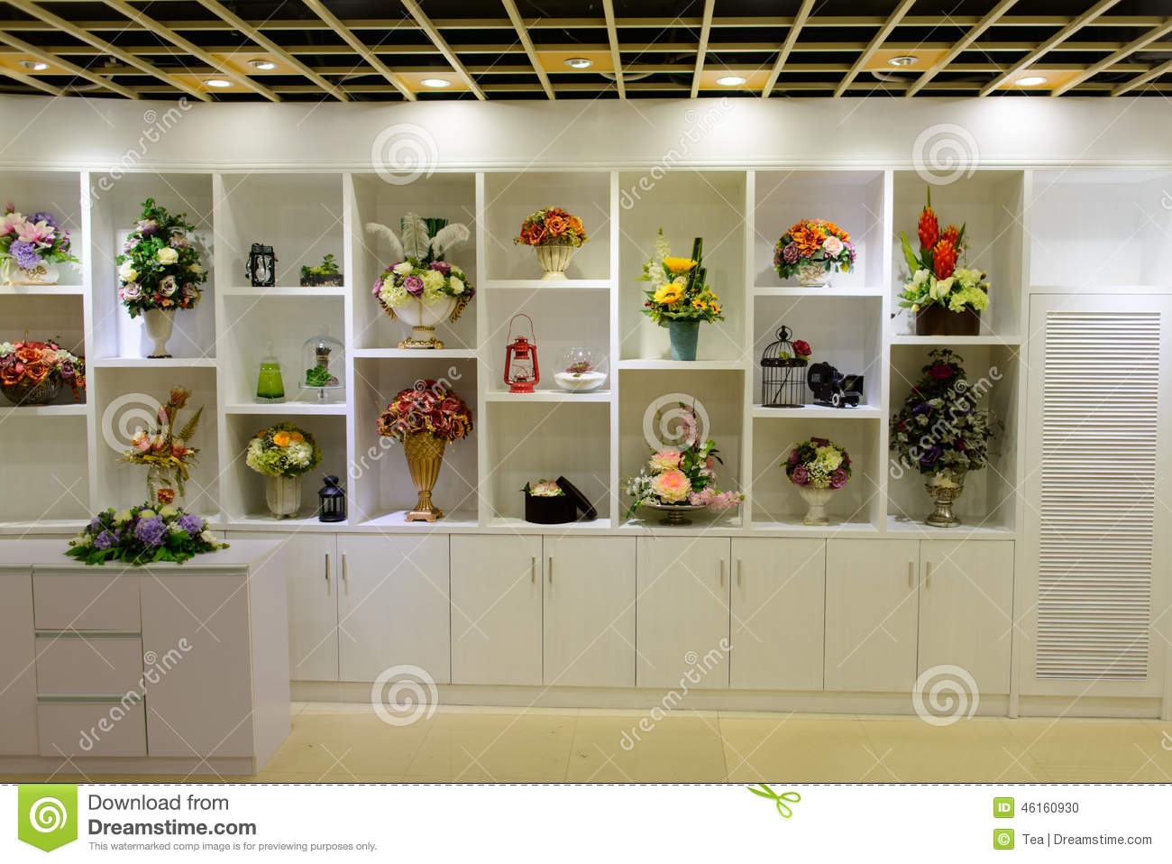 Shopping mall in shenzhen editorial image image 46160930 for Designs east florist interior
