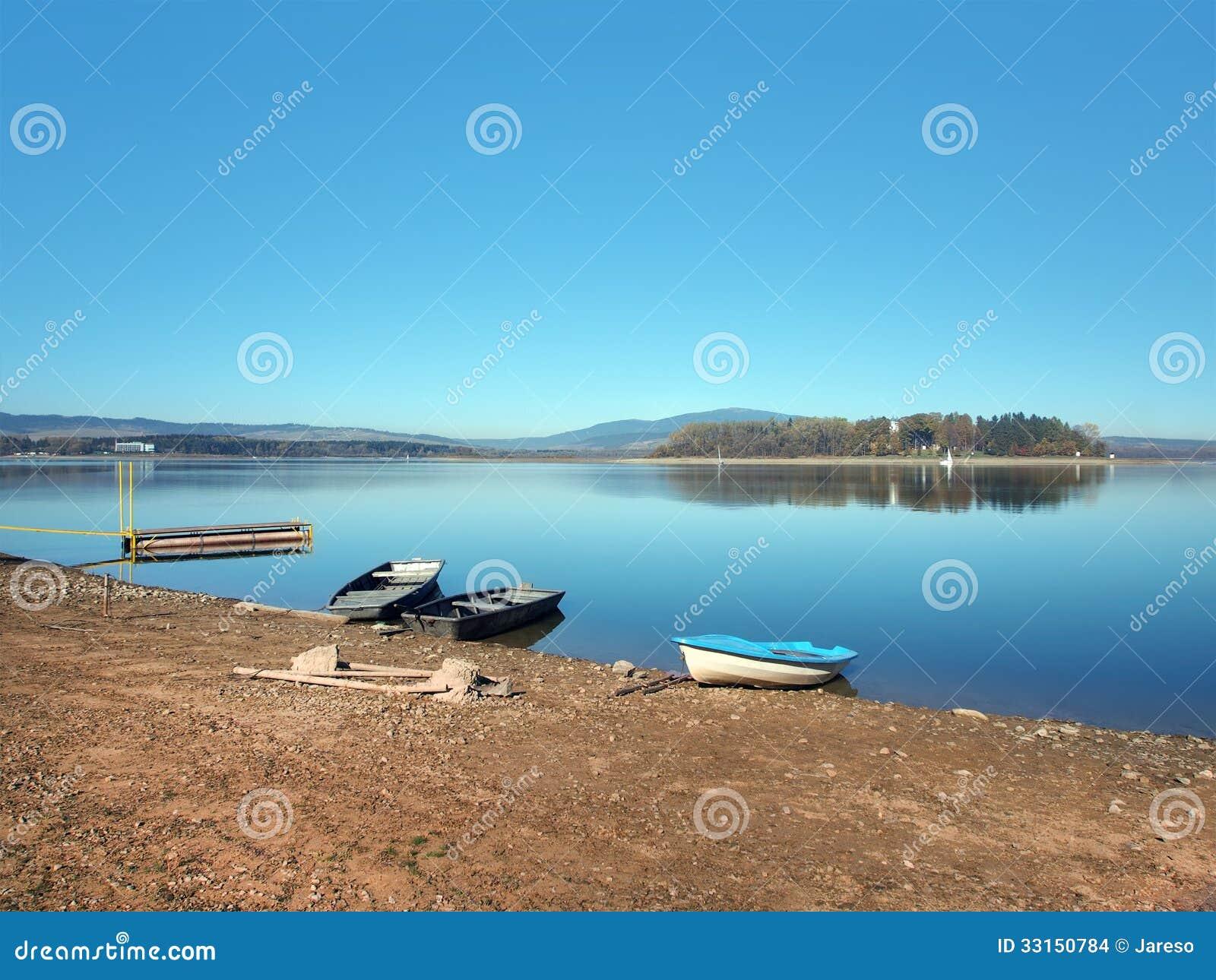 Shore, boats and Slanica Island