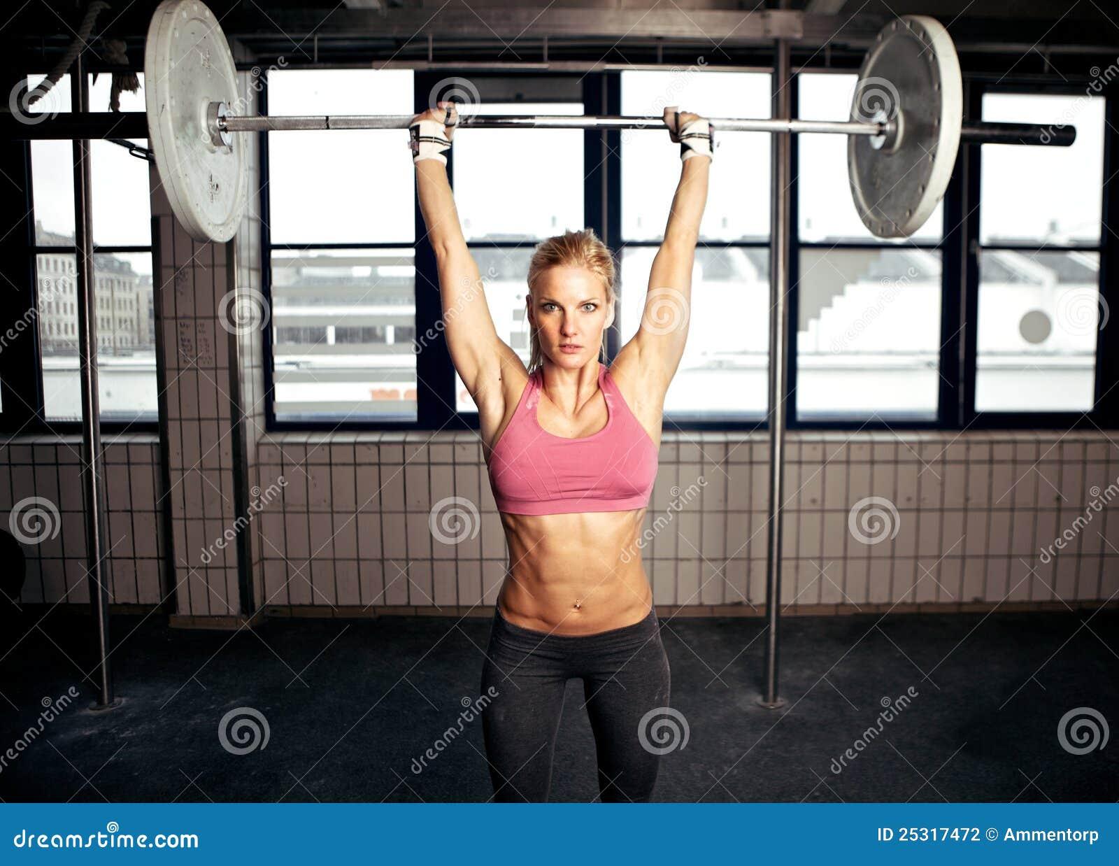 Пресс девушки грудь 26 фотография