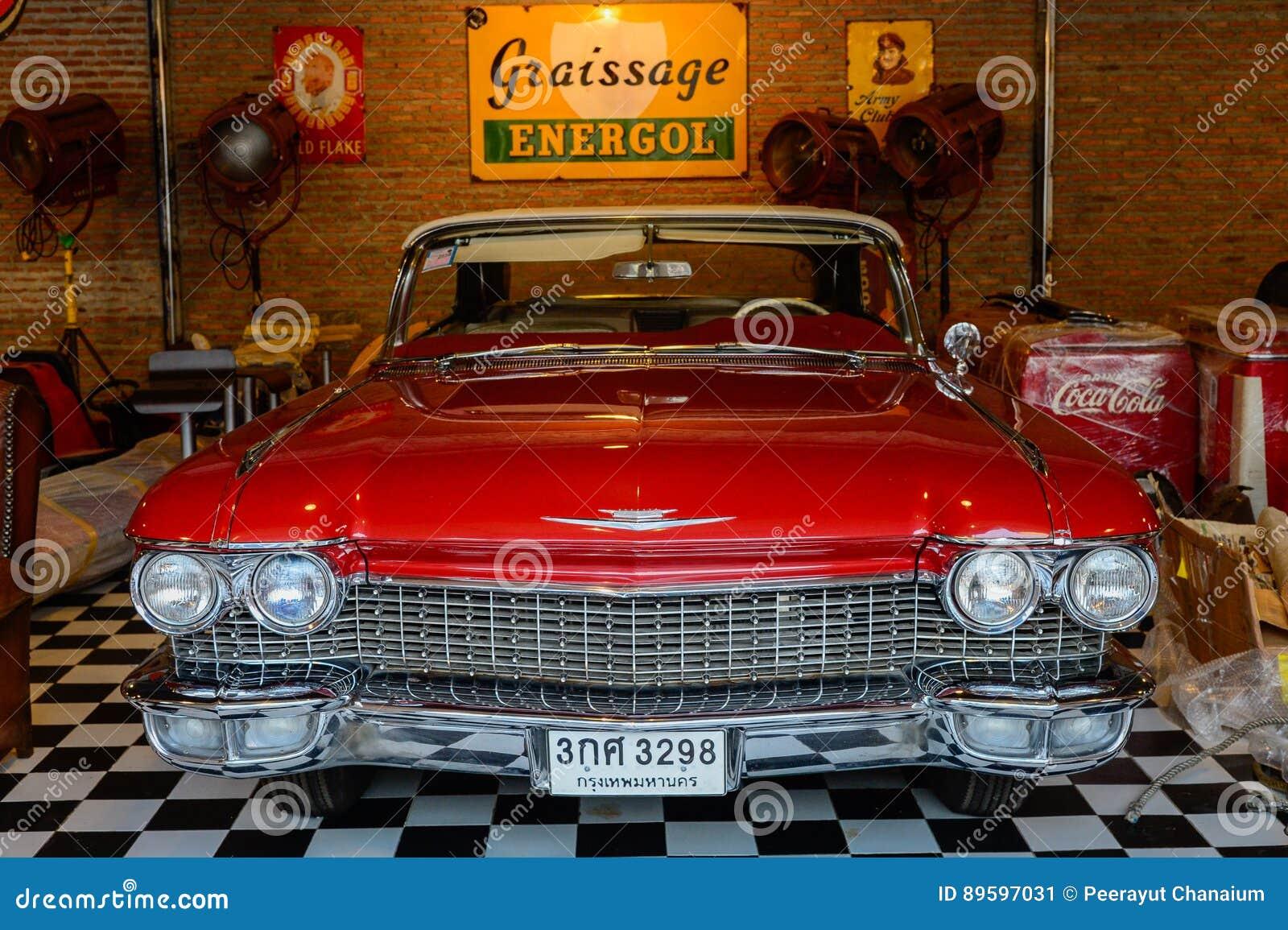 Show Old Vintage Car At Night Market, Srinakarin Road, Thailand ...