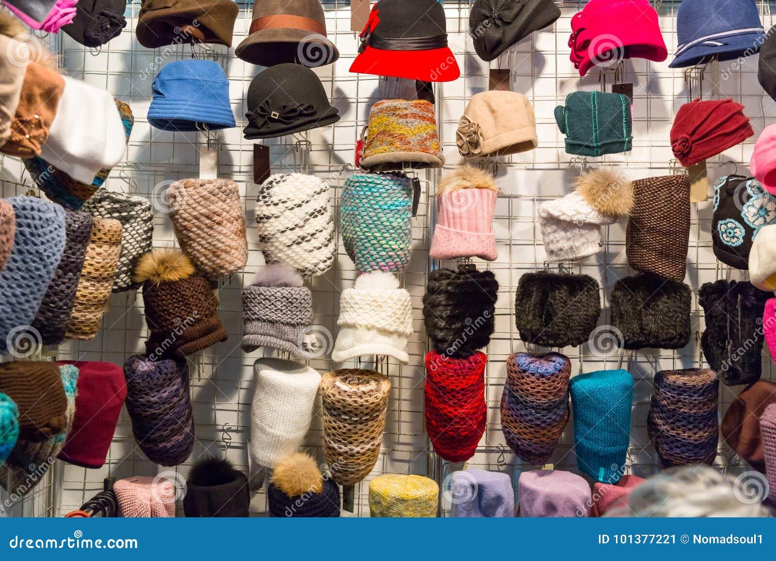 ca71d0b6c79 Showcase In Hat Shop