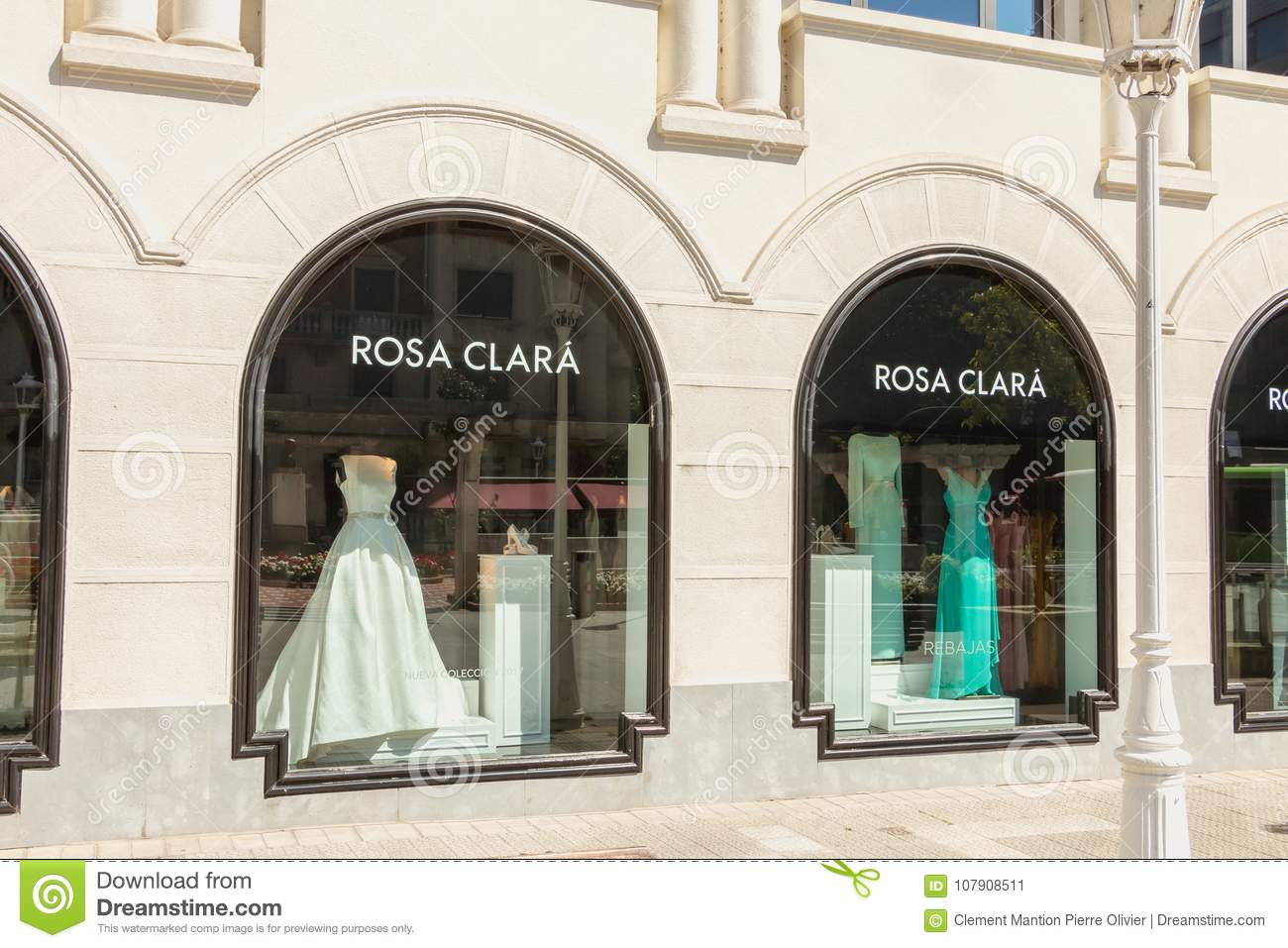 Showcase of a luxury clothes store Rosa Clara