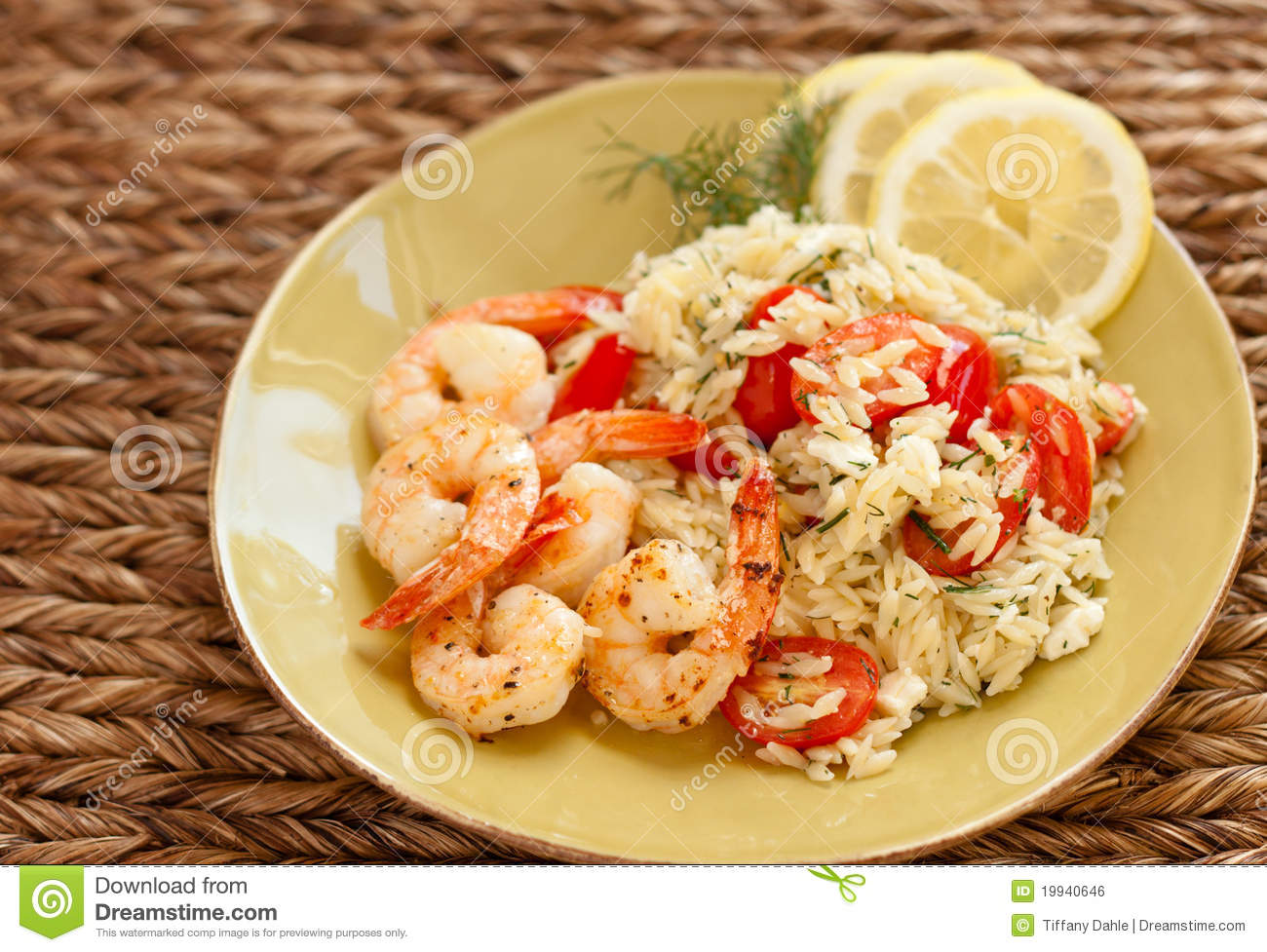 Shrimp and orzo with tomatoes