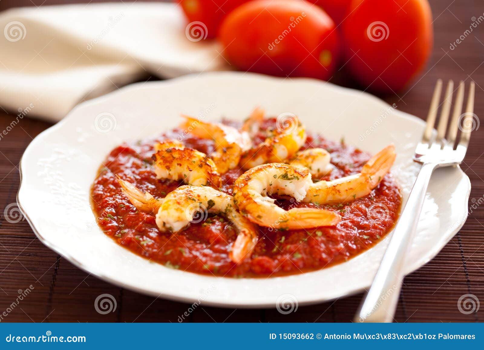 Shrimp roasted with fried tomato