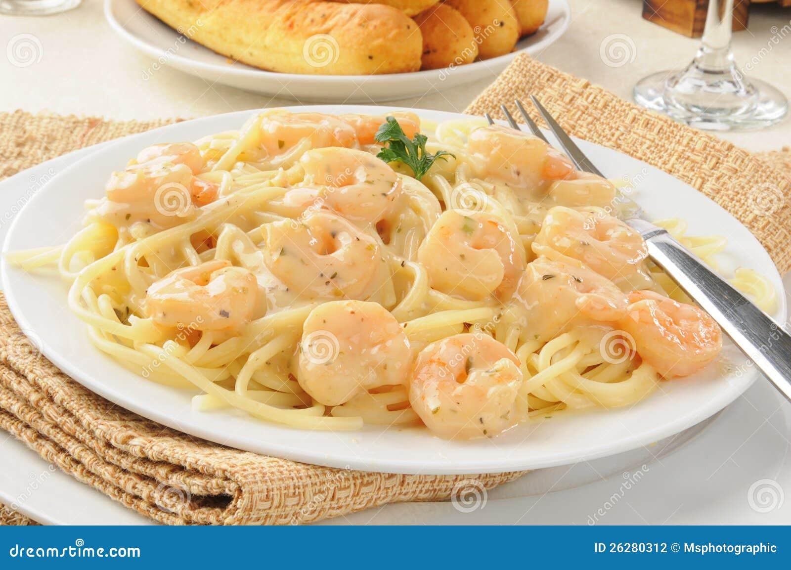 Как сделать креветки в сливочном соусе рецепт с фото пошагово