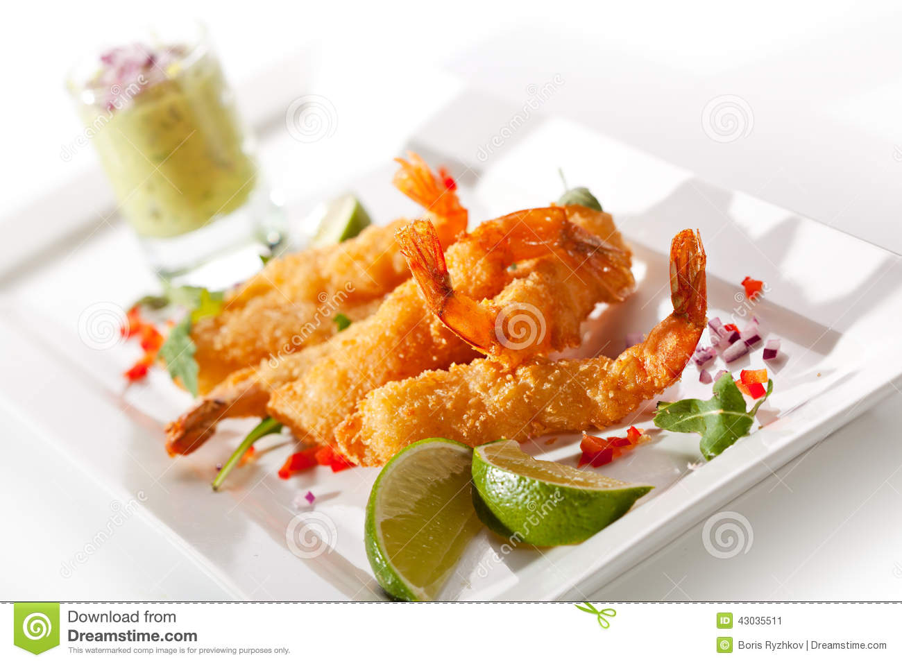 Deep Fried Shrimp with Guacamole Sauce and Lime Slice.