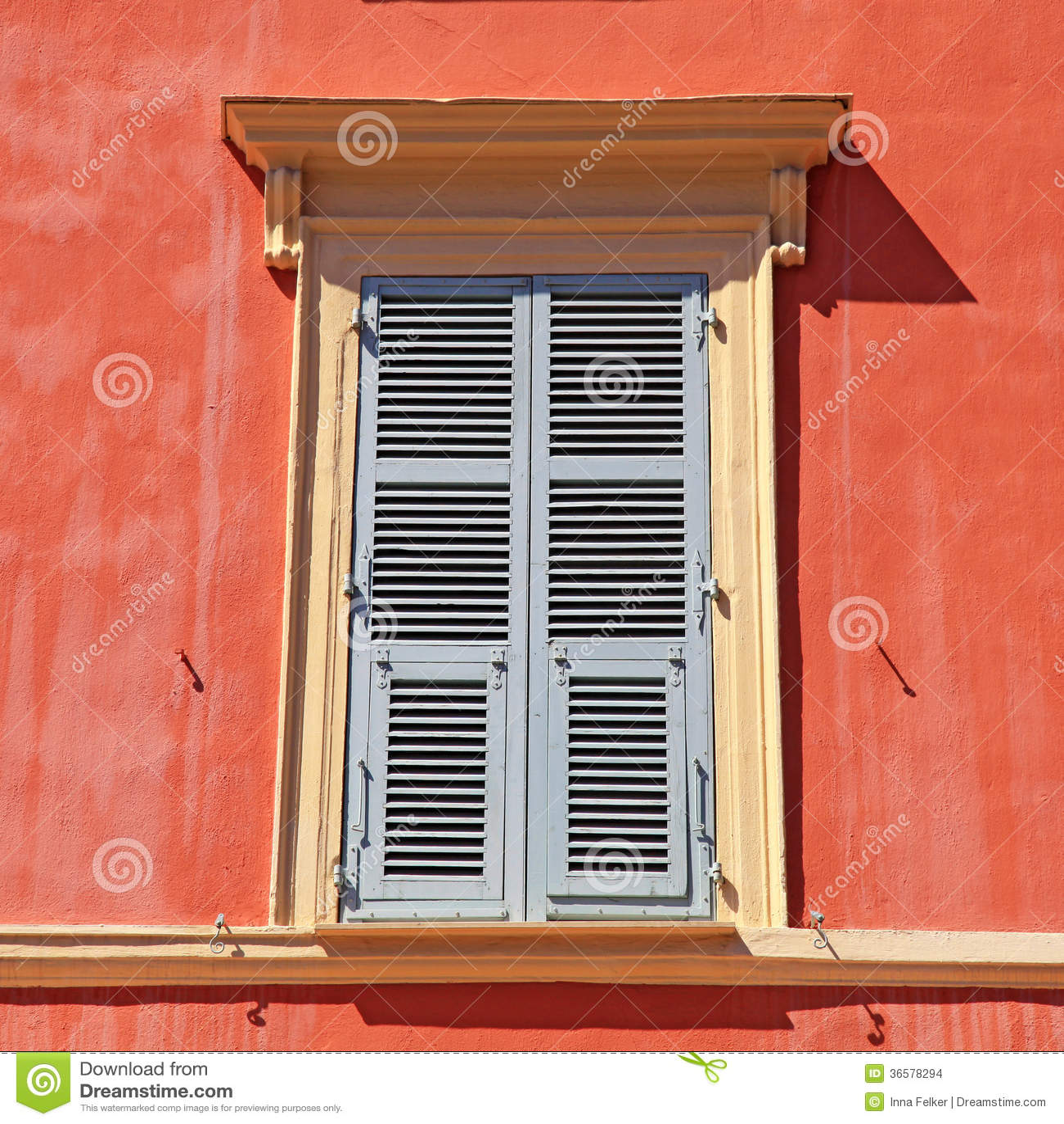 Shutter la finestra nizza cote d 39 azur francia immagini stock immagine 36578294 - La finestra biz ...