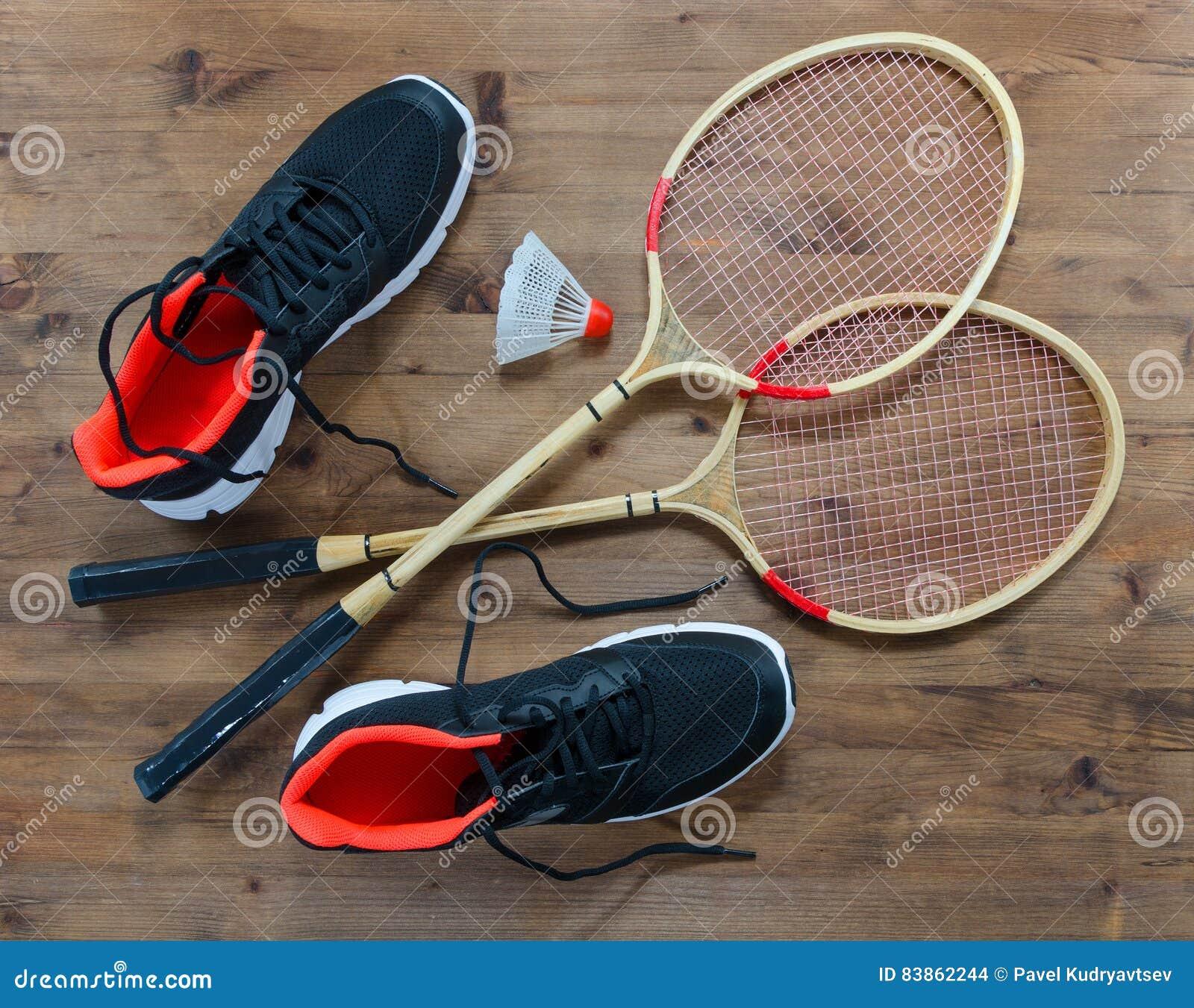 Shoes For Badminton Wooden Court