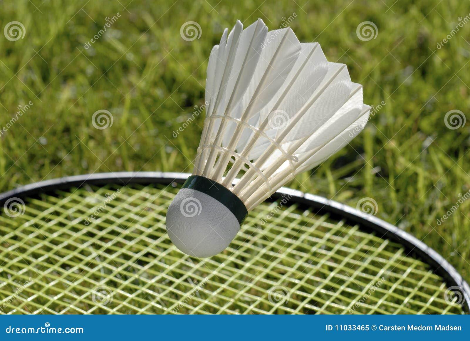 Shuttlecock e raquete