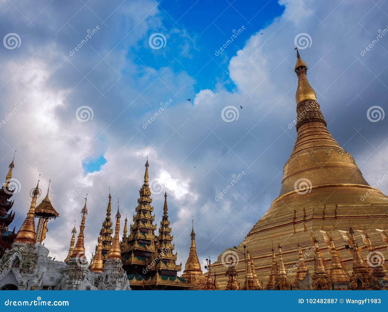 Shwedagon Pagoda-Yangon-Myanmar