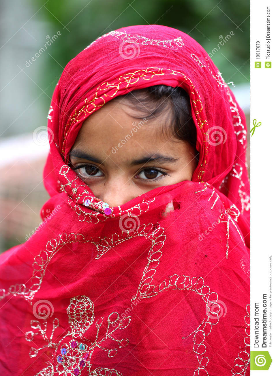 royalty muslim girl personals Muslim dating is designed to fit the needs of muslim men you have the same mindset and religion, which is the best ground for building a strong partnership these muslim women are here just for you.
