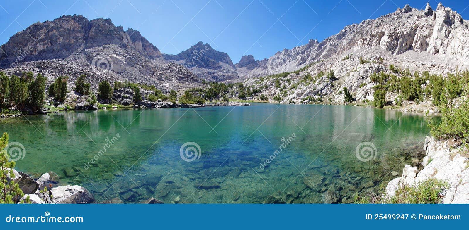Siërra het Panorama van het Meer van de Berg