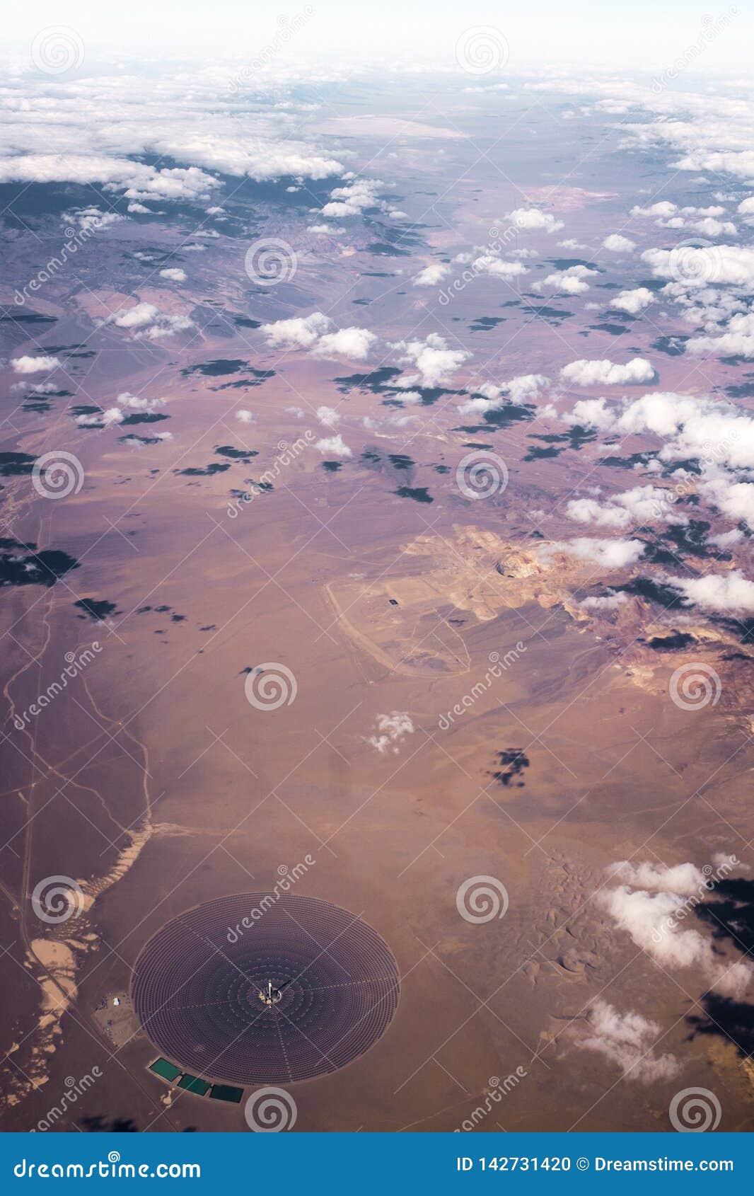 Si rannuvola il deserto dal cielo