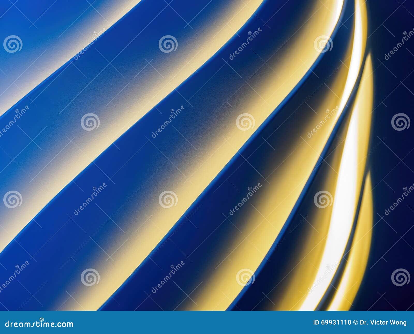 Si sviluppa a spiraleare il reticolo