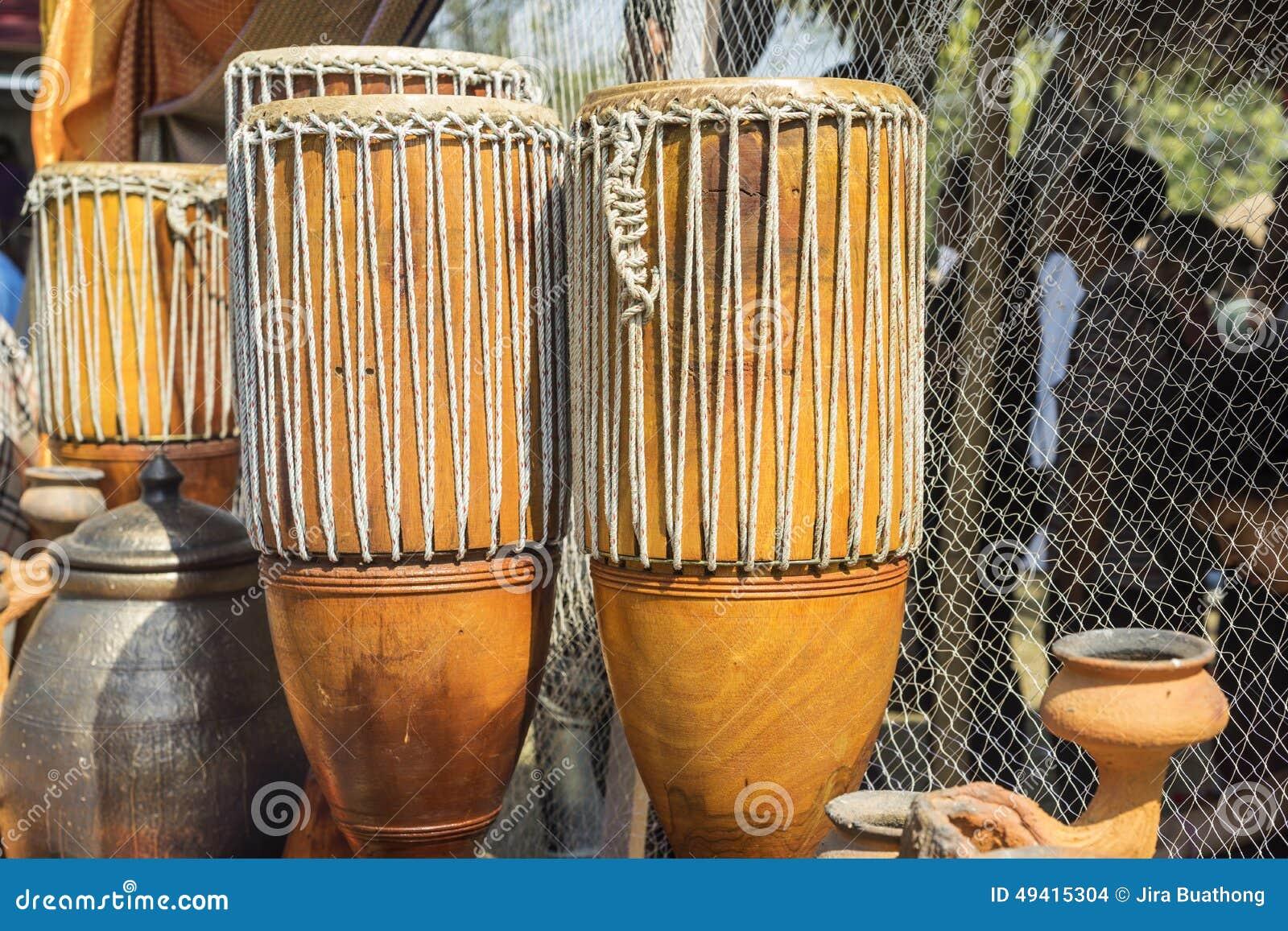 Download Siamesische Trommeln stockfoto. Bild von siamesisch, perkussion - 49415304