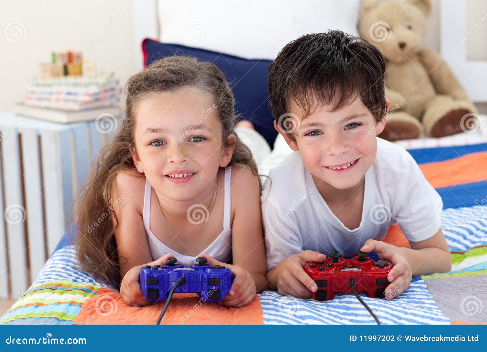 porna-brat-s-sestroy