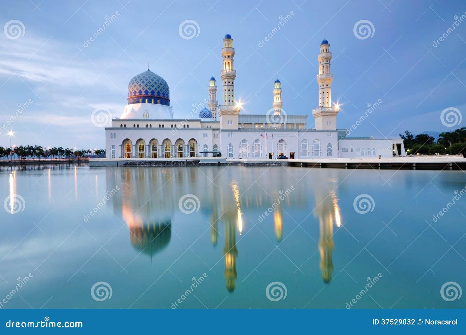 Sich hin- und herbewegende Moschee Kota Kinabalus, Sabah Borneo Malaysia