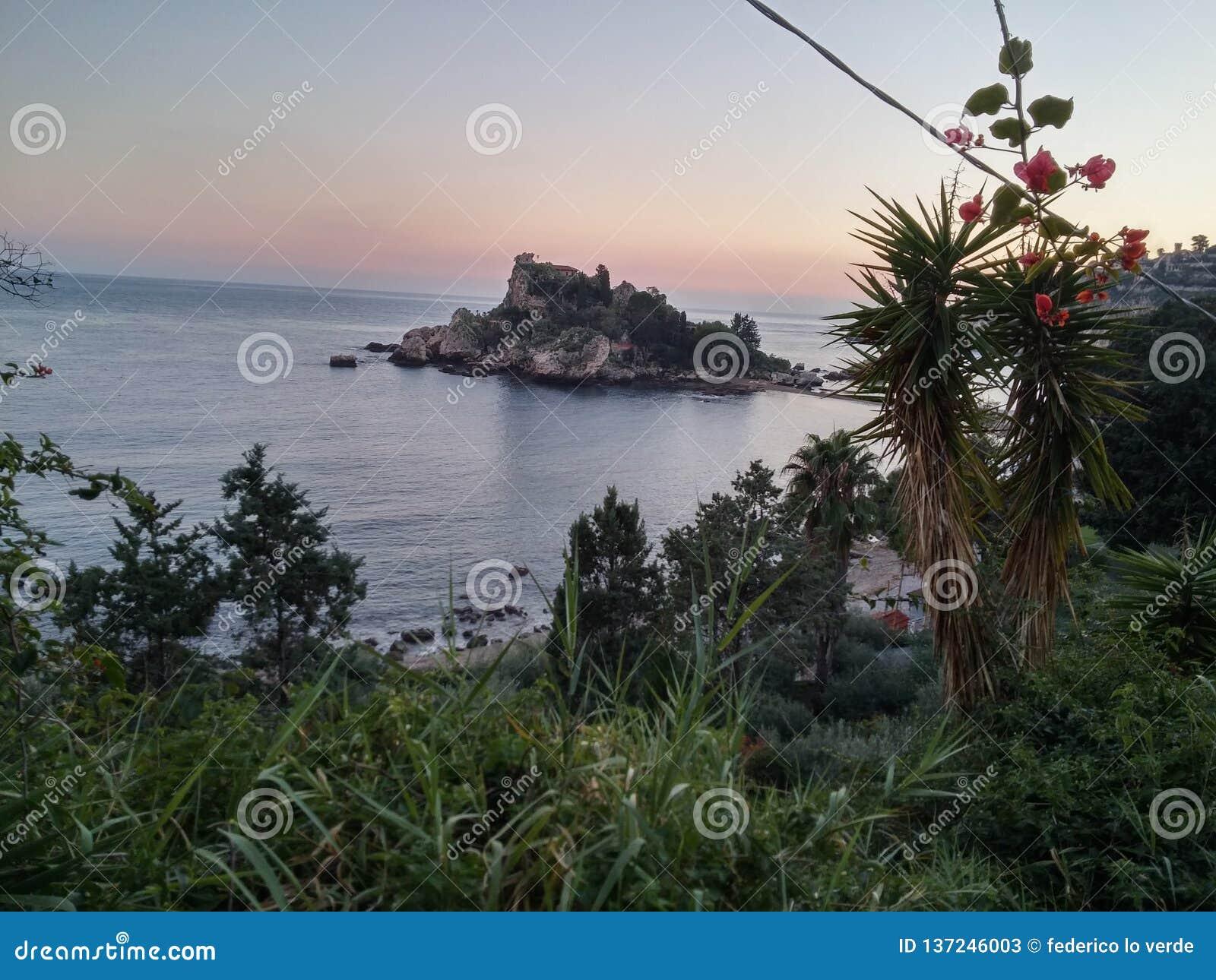 Sicilia bella Isola