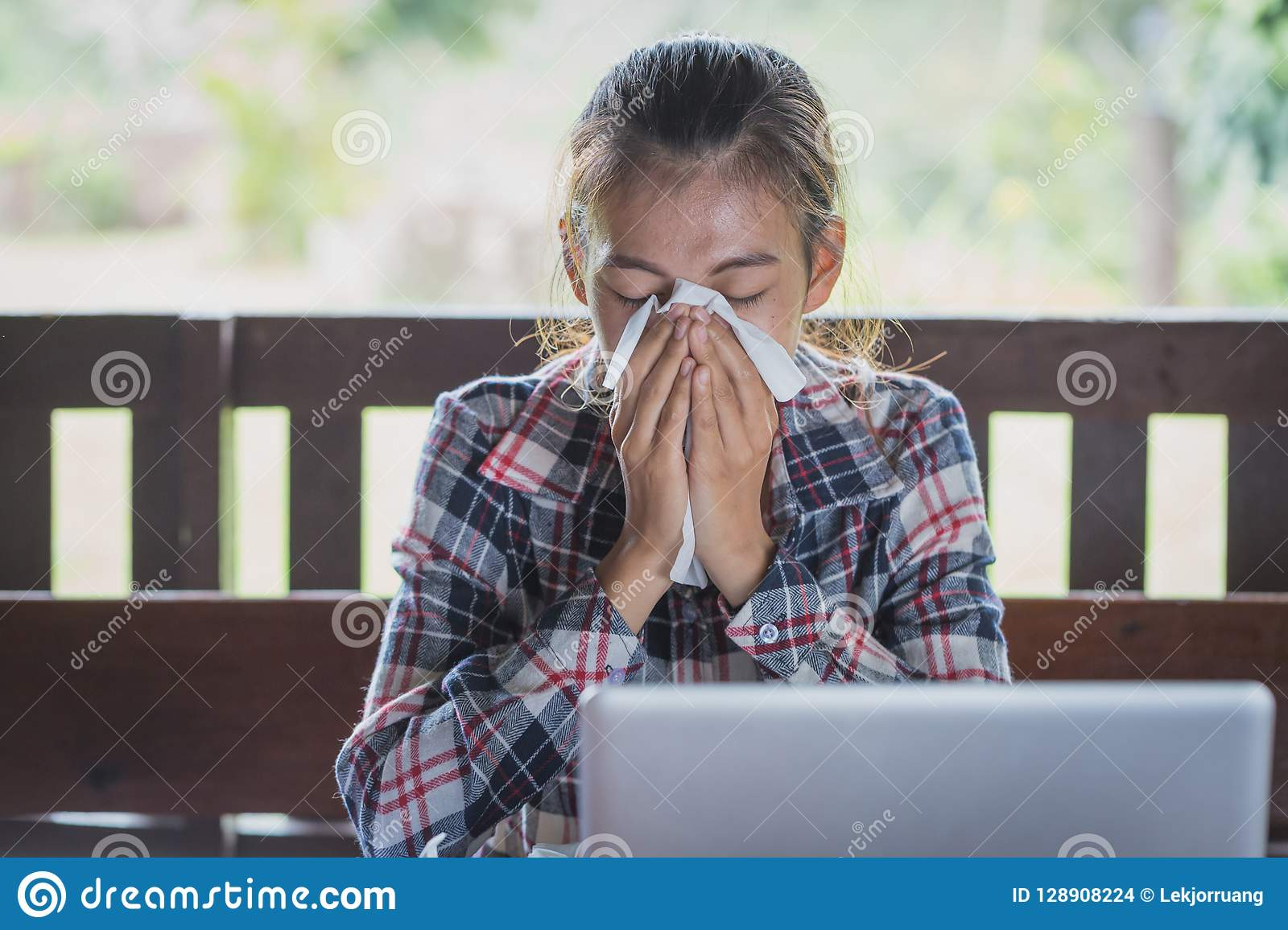 Sick business woman with sneezing in tissue, Women are sneezing
