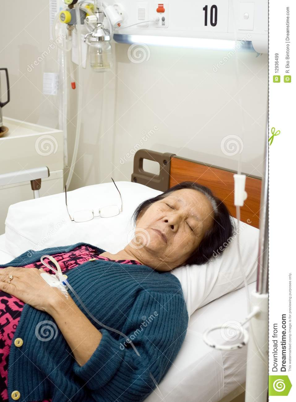 Patient Lady On Sick Bed : Sick Elderly Patient Sleep In Bed Rest Royalty Free Stock Images ...