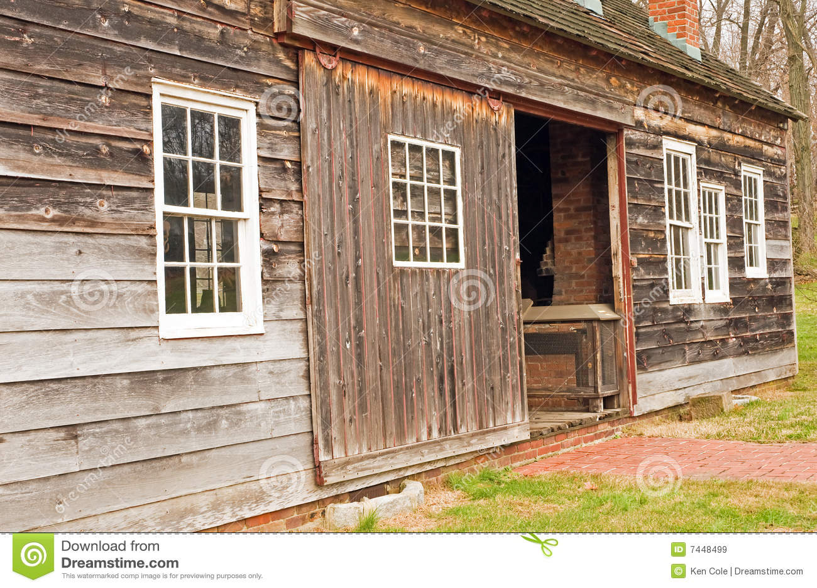 Side of unpainted barn