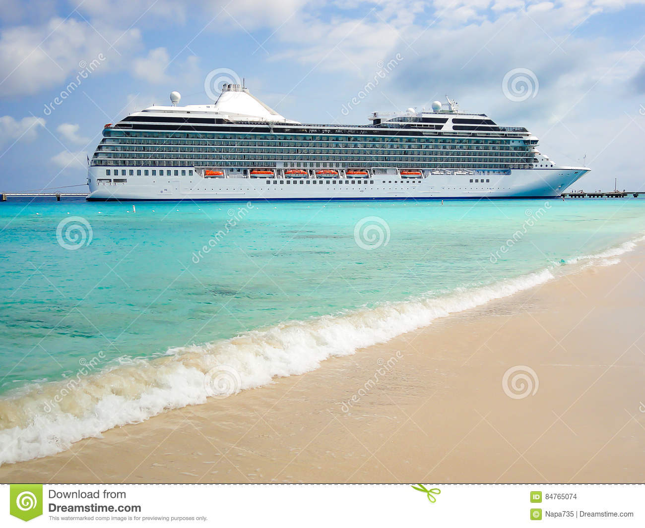 Download Side View Of Cruise Ship Stock Photo Image