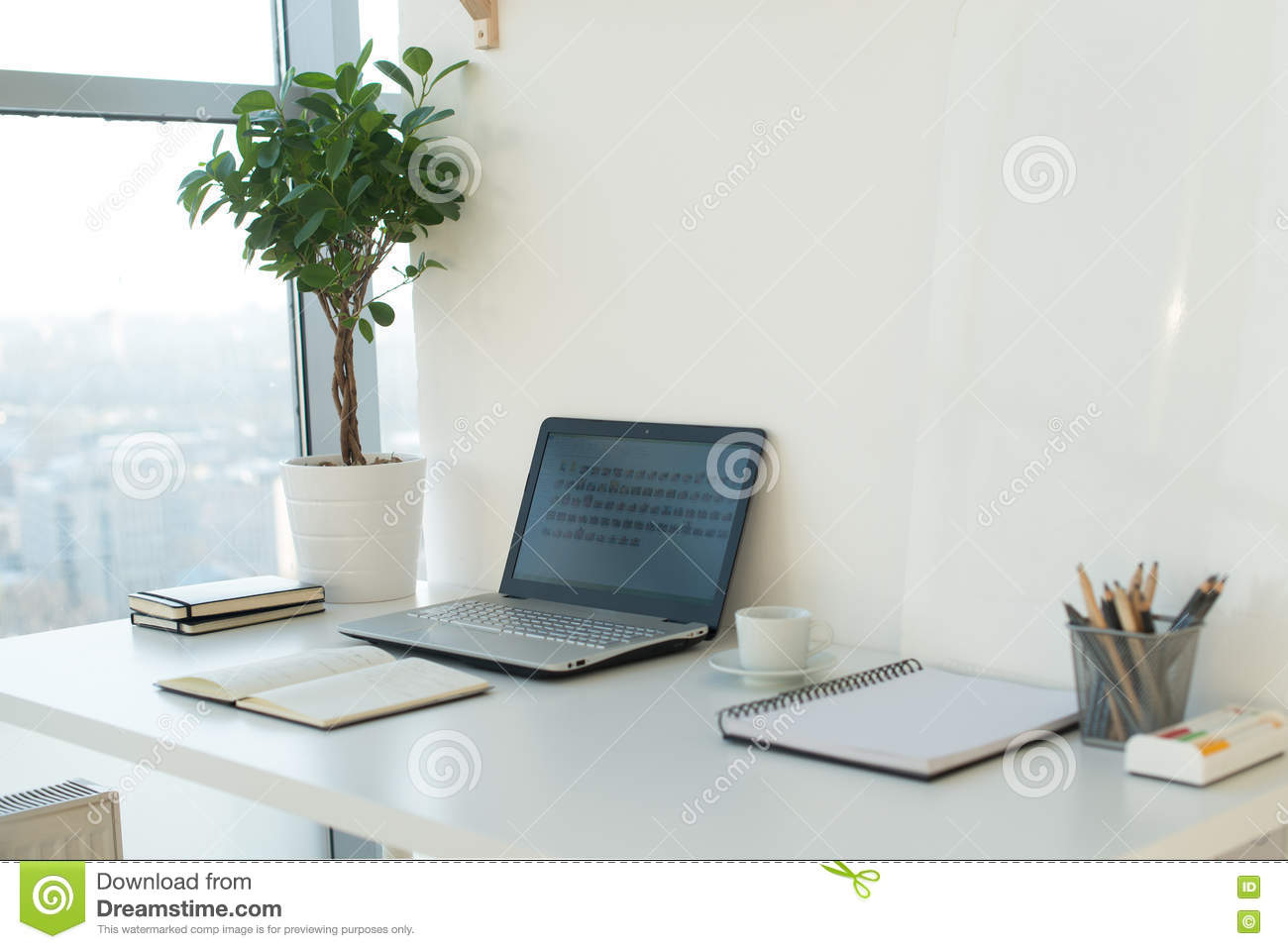 Workplace designer royalty free stock photography for Studio 52 table view