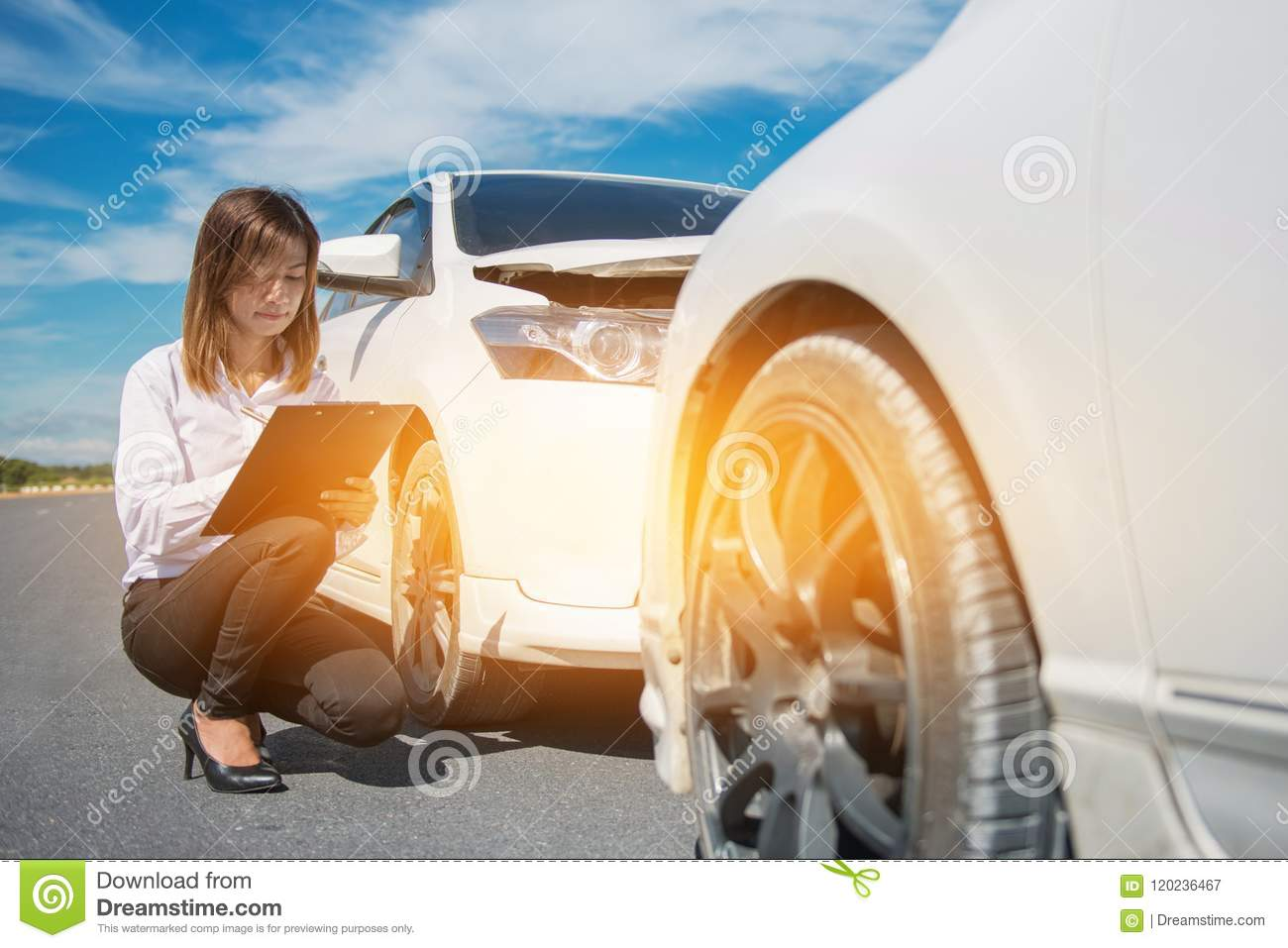 Car Insurance After Accident >> Side View Of Writing On Clipboard While Insurance Agent