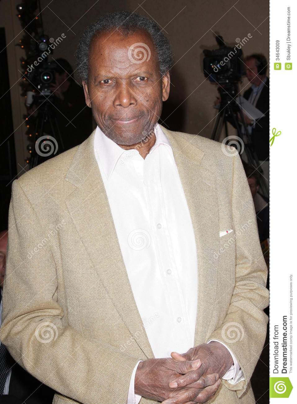 Sidney (NE) United States  city pictures gallery : Sidney Poitier at the unveiling ceremony for the new United States ...