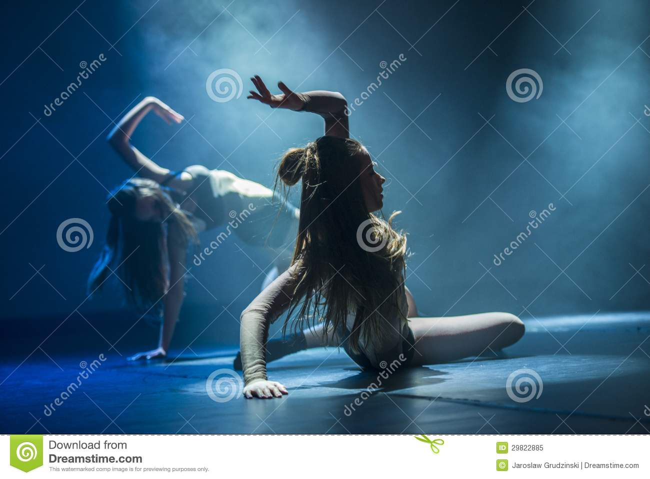 Dancers of Luz Dance Theatre perform on stage