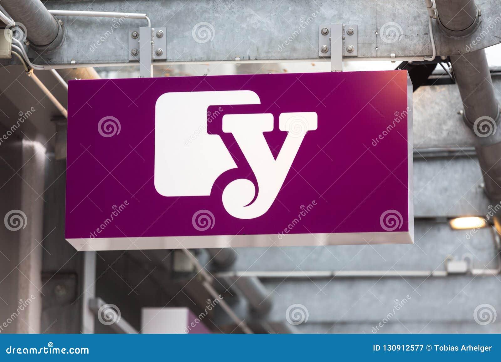 Siegen, Nordrhein-Westfalen/Deutschland - 28 10 18: yourfone unterzeichnen herein siegen Deutschland