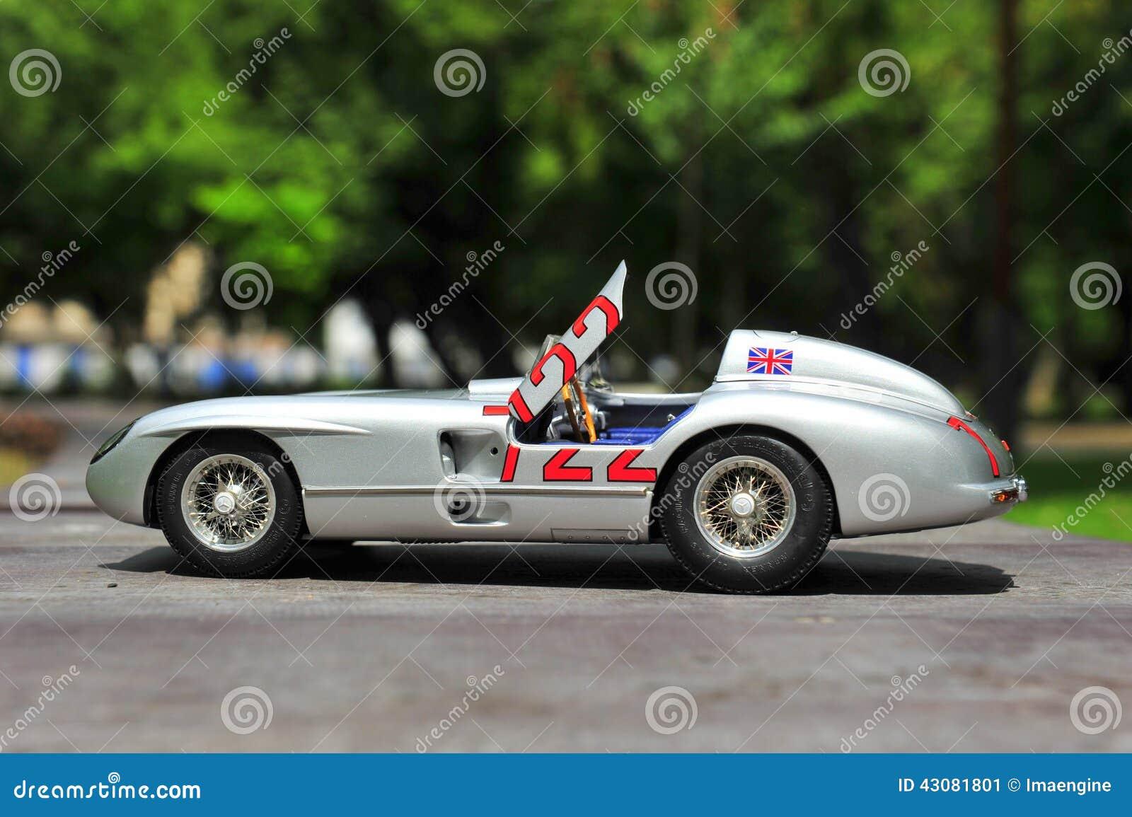 Sieger Sir Stirling Moss Mercedes-Benzs 300 SLR Mille Miglia