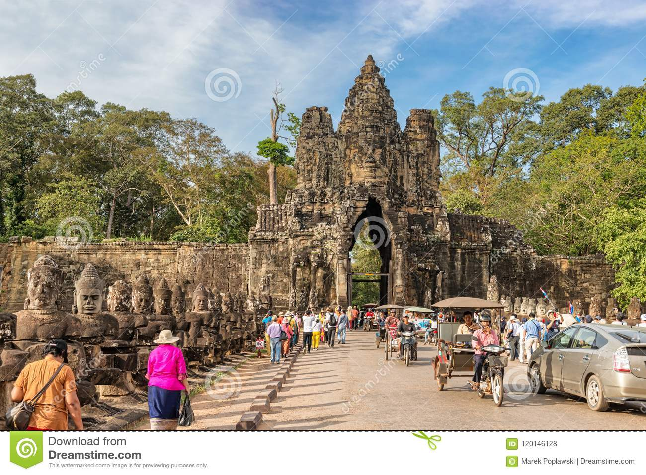 City Of South Gate >> Statues At South Gate To Angkor Thom Angkor Unesco World