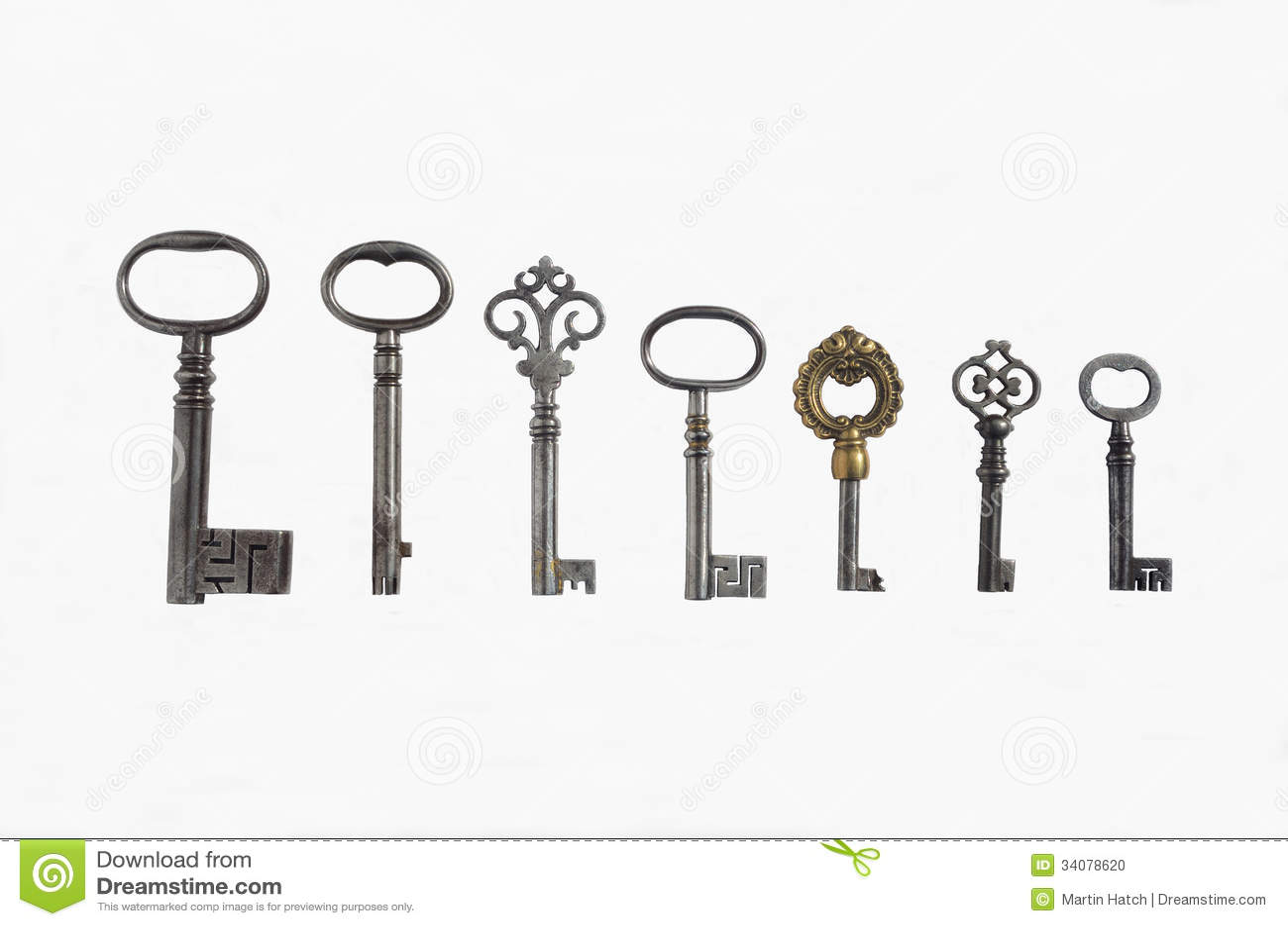 Siete llaves antiguas del tubo foto de archivo imagen - Llaves antiguas de puertas ...
