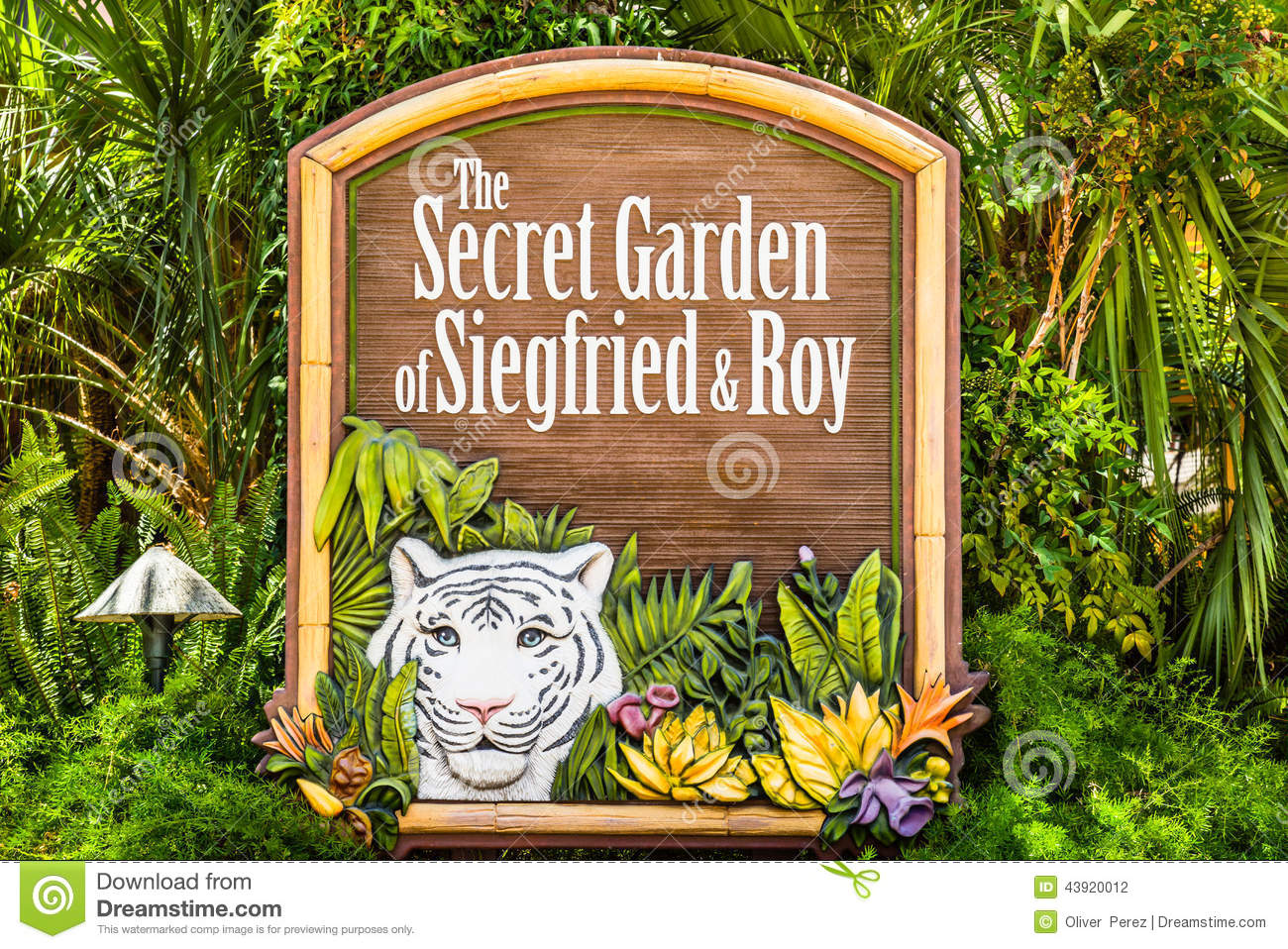 Sign To Siegfried And Roy Secret Garden Editorial Photography Image 43920012