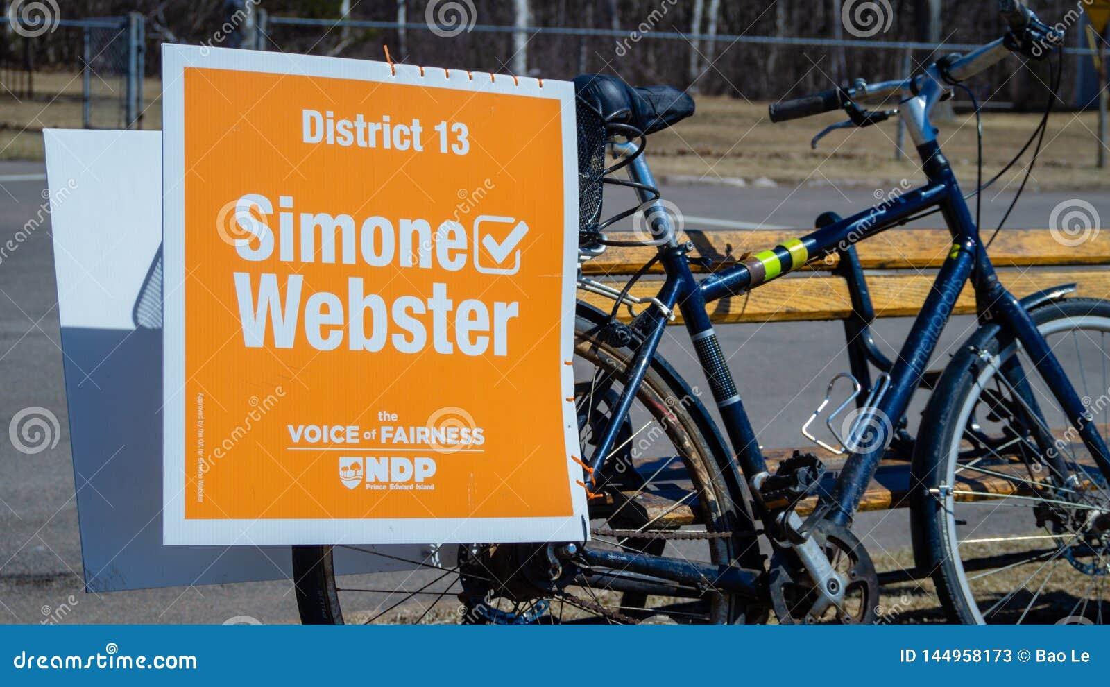 Signage op een fiets van Simone Webster, NDP-kandidaat in P e I verkiezing